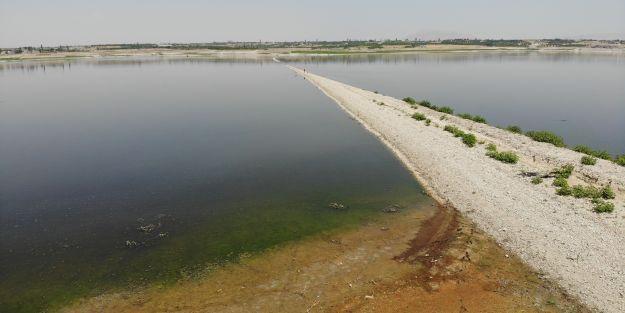 Sular çekildi demir yolu ortaya çıktı