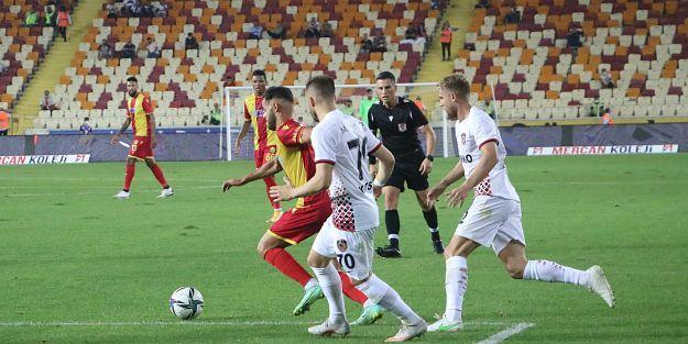 Süper Lig: YeniMalatya: 1- Gaziantep FK: 0 (İlk yarı)