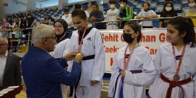 Tekvando Şampiyonası çekişmeli geçti
