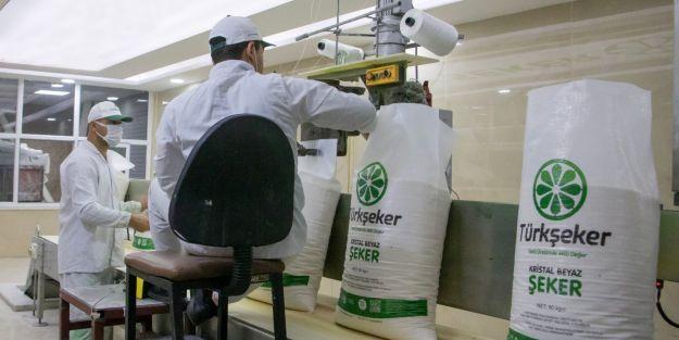Türkşeker, sektörün ilk şekerinin üretildiğini duyurdu