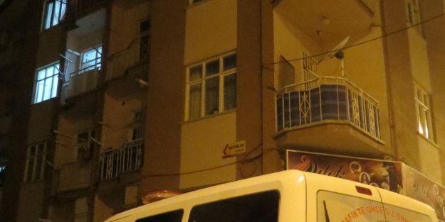 4. Kat Balkonundan Düştü Öldü