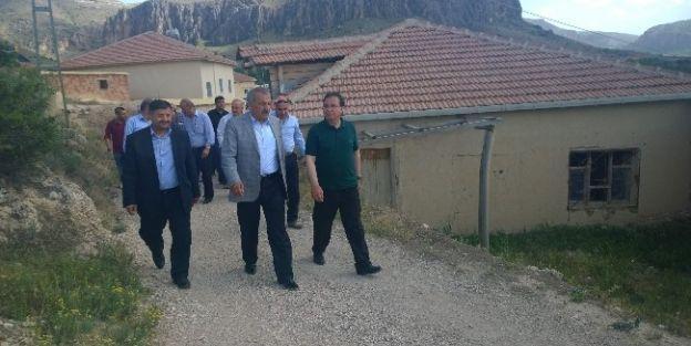 Ak Parti Milletvekili Mustafa Şahin, Akçadağ'ı Ziyaret Etti