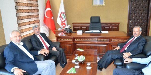 Ak Parti Milletvekili Mustafa Şahin, Yeşilyurt Belediye Başkanı Uğur Polat'ı Ziyaret Etti
