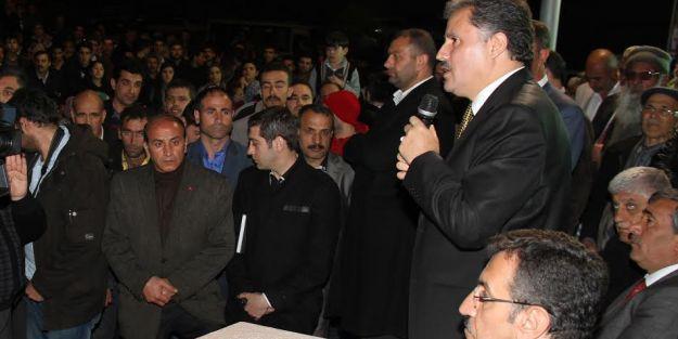 AK Parti teşkilatı Hanbey Mahallesi'nde toplantı yaptı