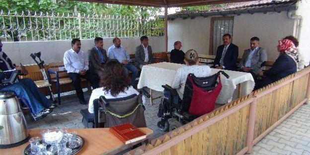 Ak Parti Yöneticilerinden Tsd'ye Ziyaret