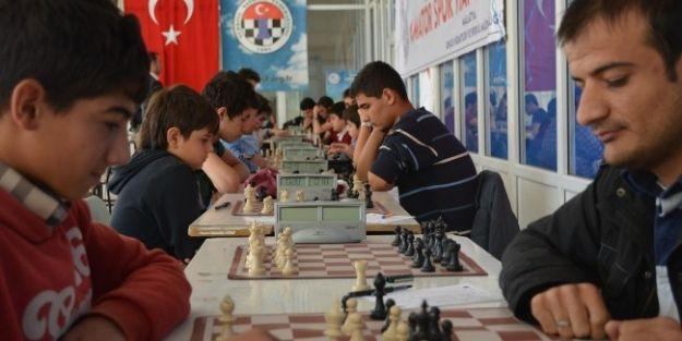 Amatör Spor Haftası Satranç Turnuvası Sonuçlandı