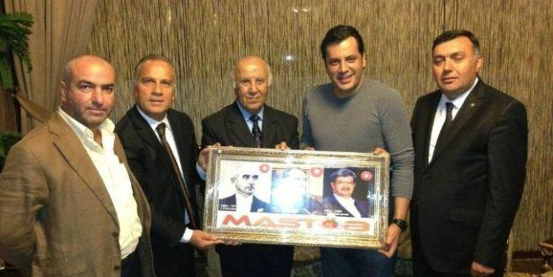 Ankara Mastöb'den Ünlü Oyuncu İlker Kurt'a Plaket