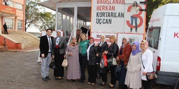 Arapgir Ak Parti Kadın Kolları Kan Bağışı Kampanyasına Destek Verdi