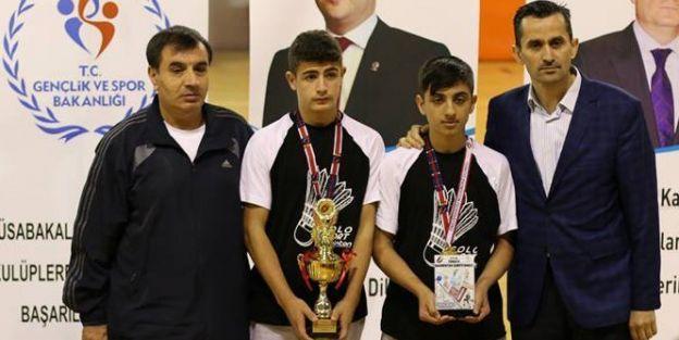 Badminton'da Büyük Başarı