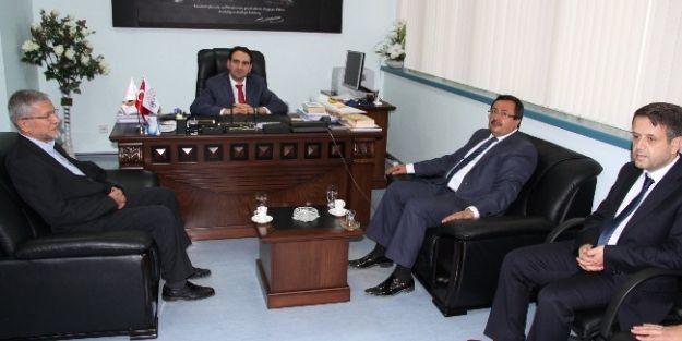 Bakan'dan Tıp Merkezi Ve İlahiyat Fakültesine Ziyaret