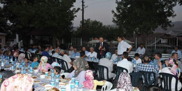 Başkan Ahmet Çakır, İftarda Öğrencilerle Buluştu