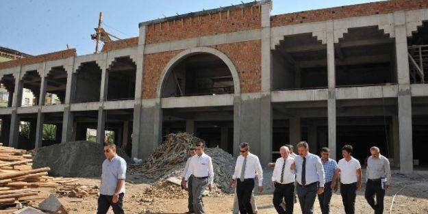 Başkan Ahmet Çakır, İpek Pazar Yeri Ve Kültür Merkezi İnşaatı İnceledi