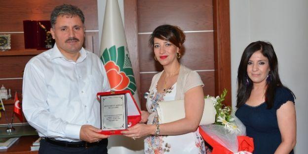 Başkan Çakır'a Teşekkür Plaketi Verildi