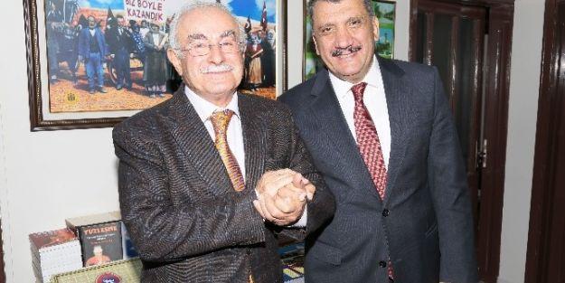 Başkan Selahattin Gürkan, Cem Vakfı Şubesi'ni  Ziyaret Etti