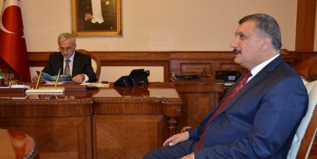 Başkan Selahattin Gürkan, Vali Kamçı'yı Ziyaret Etti