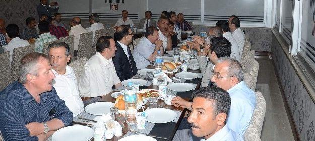 Başkan Süleyman Eser İftar Yemeği Verdi