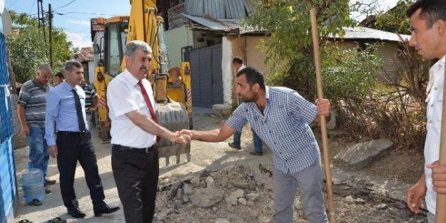 Başkan Uğur Polat, Yol Çalışmalarını Yerinde İnceledi