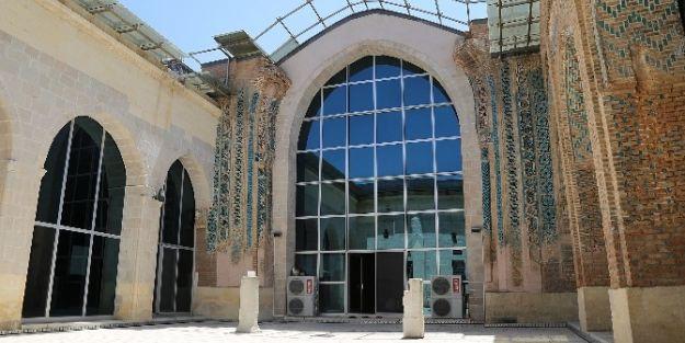Battalgazi Ulu Cami'nin Mimarisi Anadolu'da Tek Ve İlk