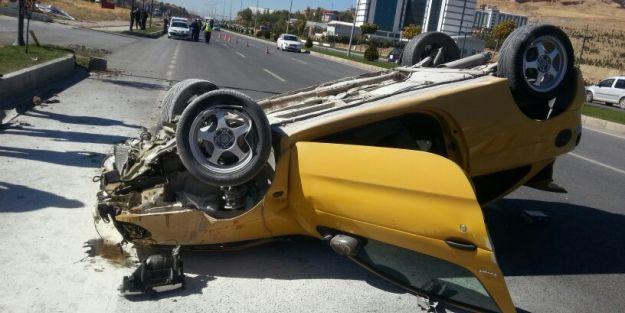 Bayan sürücü, bu otomobilden yara almadan kurtuldu