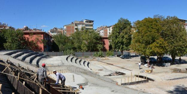 Belediye Başkanı Çakır, Kernek Meydanı'nda İncelemelerde Bulundu