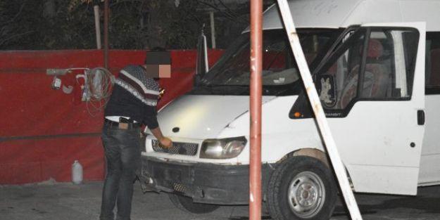 'Bomba Şüphelisi' Minibüs Kovalamacası