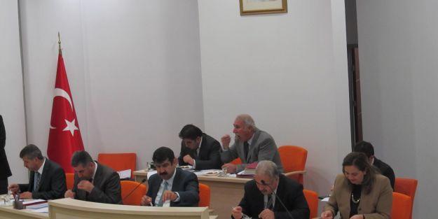 Çakır'dan 'Altı kızarmış kadayıf'lı kutlama