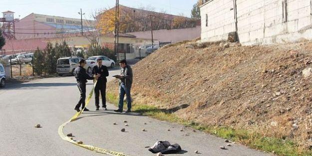 Cezaevi Yanındaki Kavgada 1 Kişi Vuruldu