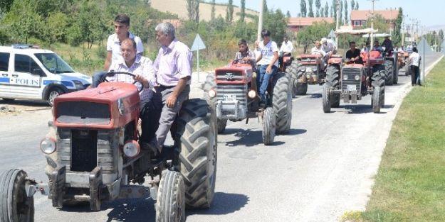 Çiftçilerden Yol Kapatma Eylemi