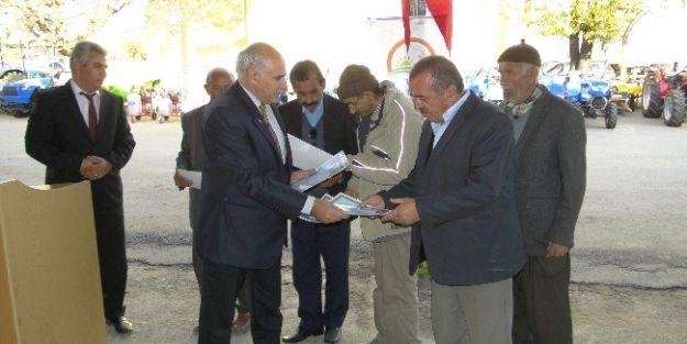 Çiftçilere Alet Ve Makineleri Törenle Teslim Edildi