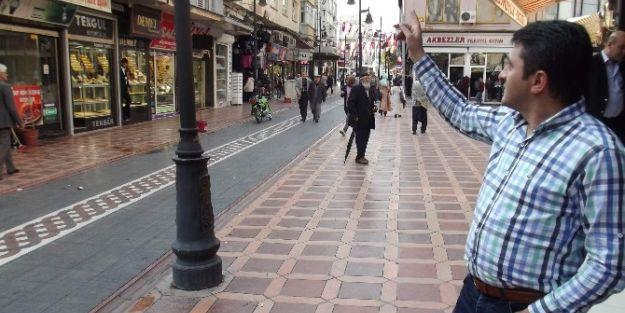 Cumhuriyet Çarşısı Da Şemsiye Sokak İstiyor