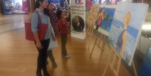 Cumhuriyet Öğretmenleri Resim Sergisi Açıldı