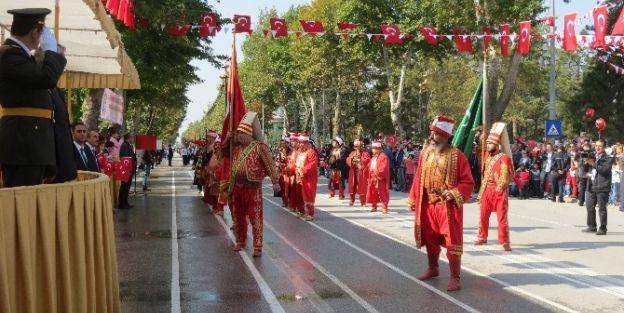 Cumhuriyetin 91. Yıldönümü Malatya'da Coşkuyla Kutlandı