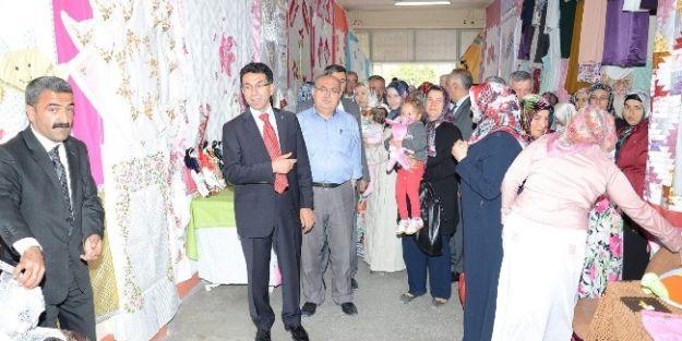 Darende'de Yıl Sonu Sergisi Açıldı
