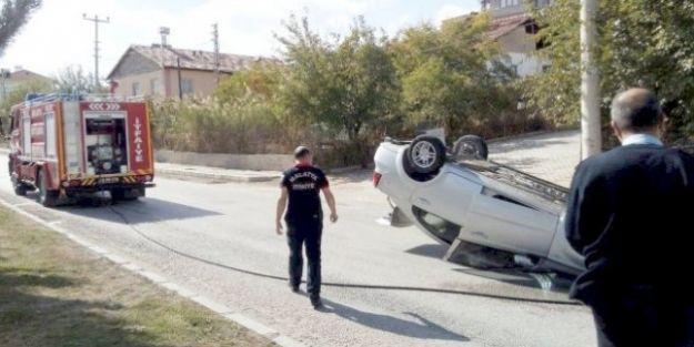 Devrilen Otomobilin Sürücüsü Yaralı