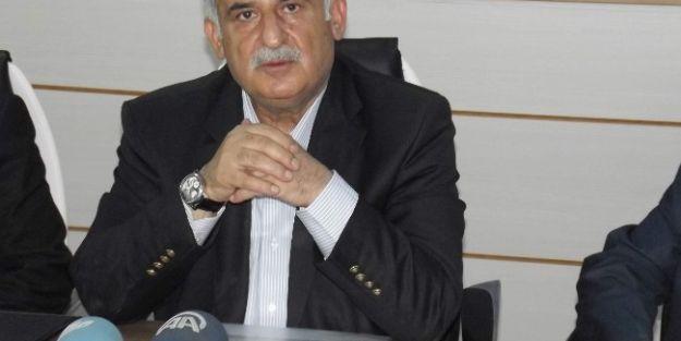 Diyarbakır'da Bayrağın İndirilmesine Tepkiler