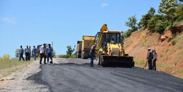 Doğanşehir'de Yol Bakım-onarım Çalışması