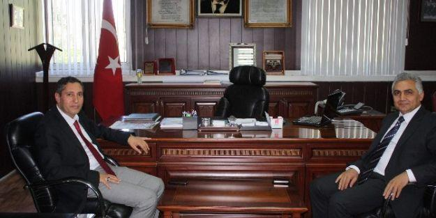 Emniyet Müdürü Ömer Urhal'dan Milli Eğitim Müdürü Ali Tatlı'ya Ziyaret