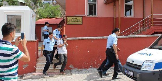 Esrarla Yakalanan Şahıslar Tutuklandı
