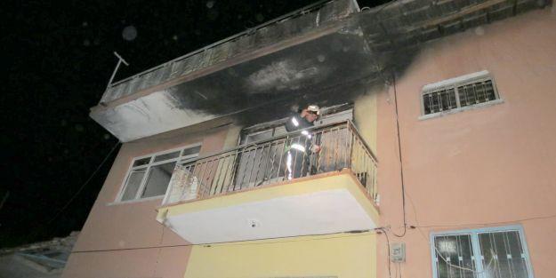 Evi ateşe verdi, dışarı çıkmadı