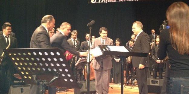 Fahri Kayahan Orkestrası'nın Konseri İlgi Gördü