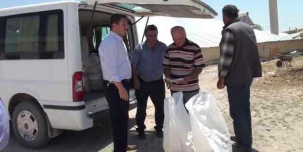 Fakir Ailelere Ramazan Gıda Paketi Dağıtıldı