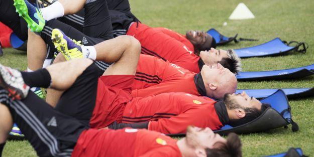 Futbolcular askeri eğitimden geçiyor