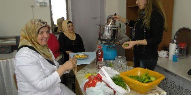 Gıda Hazırlama Eğitimleri Başladı