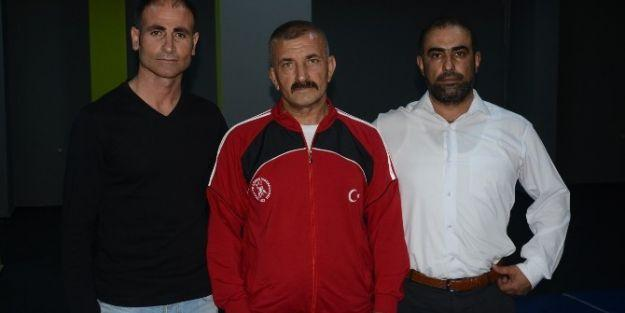 Güreş Antrenörü Hasan Özdemir, Dünya Üçüncüsü Oldu