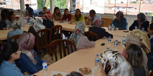 Gürkan Ak Parti Kadın Kollarıyla Buluştu