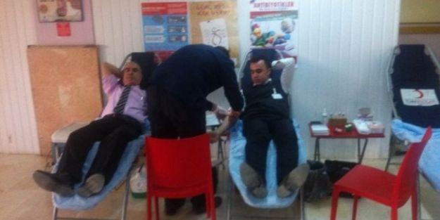 Hastane Personelinden Kan Kampanyasına Destek