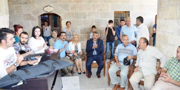 Hukuk Fakültesi Mezunları, Tarihi Eserlere Hayran Kaldı