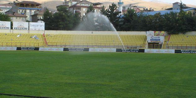 İnönü Stadı Yeni Sezona Hazırlanıyor