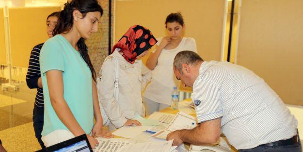 İnönü Üniversitesi 'de kayıt işlemleri devam ediyor
