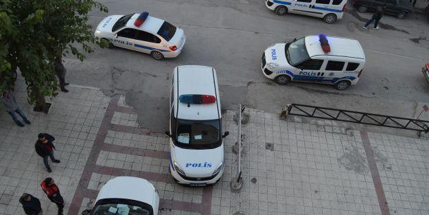 İş merkezindeki silah sesleri polisleri alarma geçirdi
